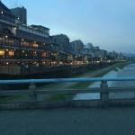 京都の夏の風物詩「鴨川納涼床」2