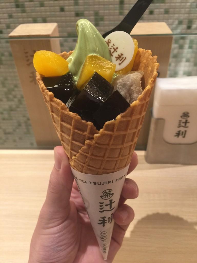 辻利 京都店の「夏限定 辻利ソフト 夏のパルフェ」3