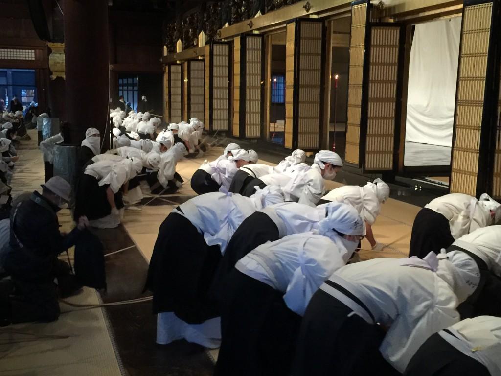 京都 本願寺 お煤払い【着物レンタルは四条烏丸の古都へ】6