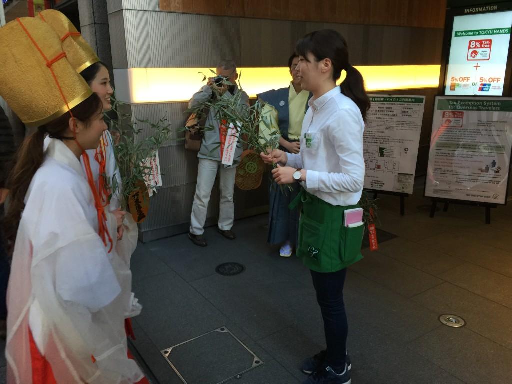 京都祇園のえべっさん 八坂神社から四条烏丸を往復巡行9