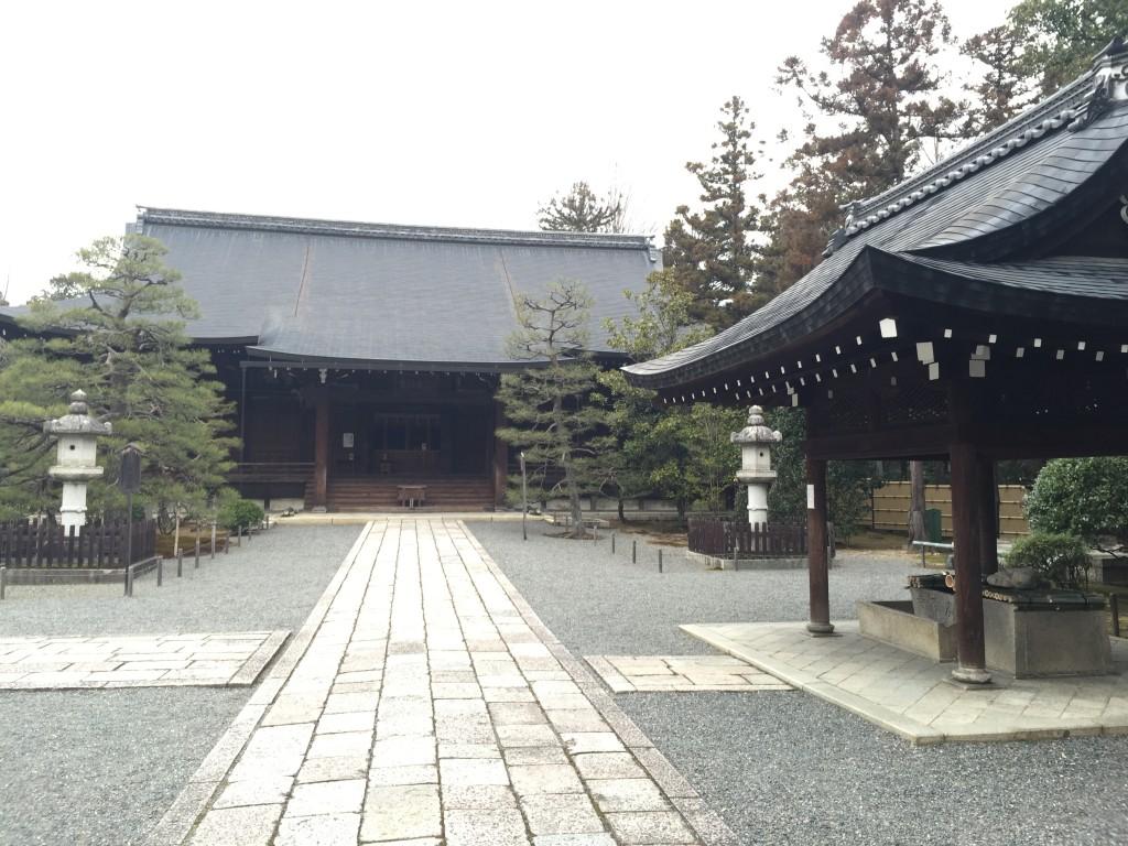 京都太秦広隆寺でほんの少し桜が咲いていました!3