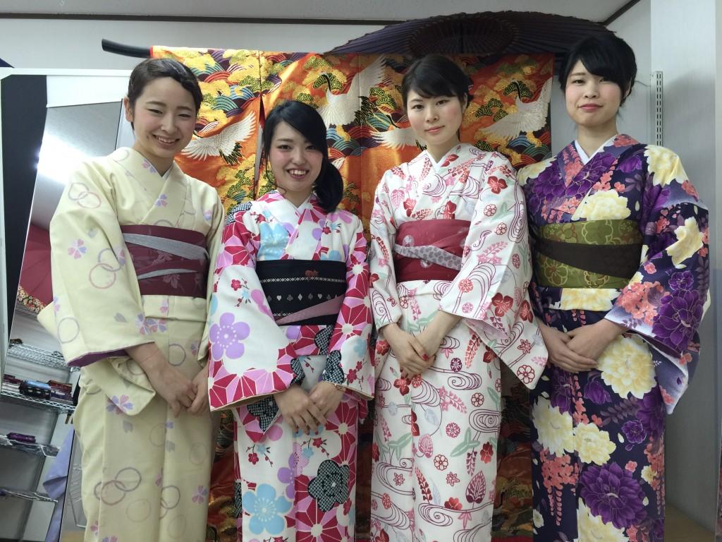 着物レンタルで京都の八坂神社や祇園を散策!1