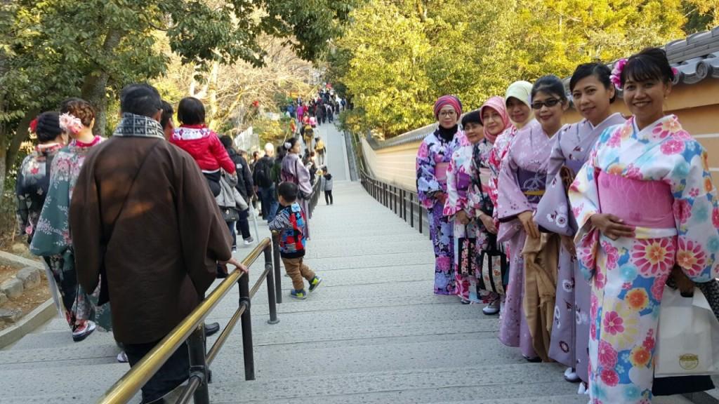インドネシアからの団体様!春の京都を着物レンタルで満喫♪2016年3月28日22