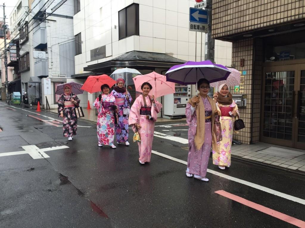インドネシアからの団体様!春の京都を着物レンタルで満喫♪2016年3月28日24