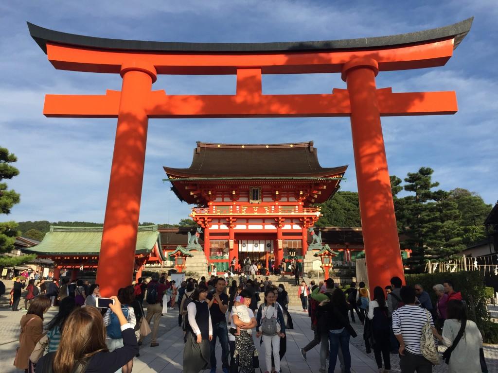 伏見稲荷大社 日本国内三年連続第一位3