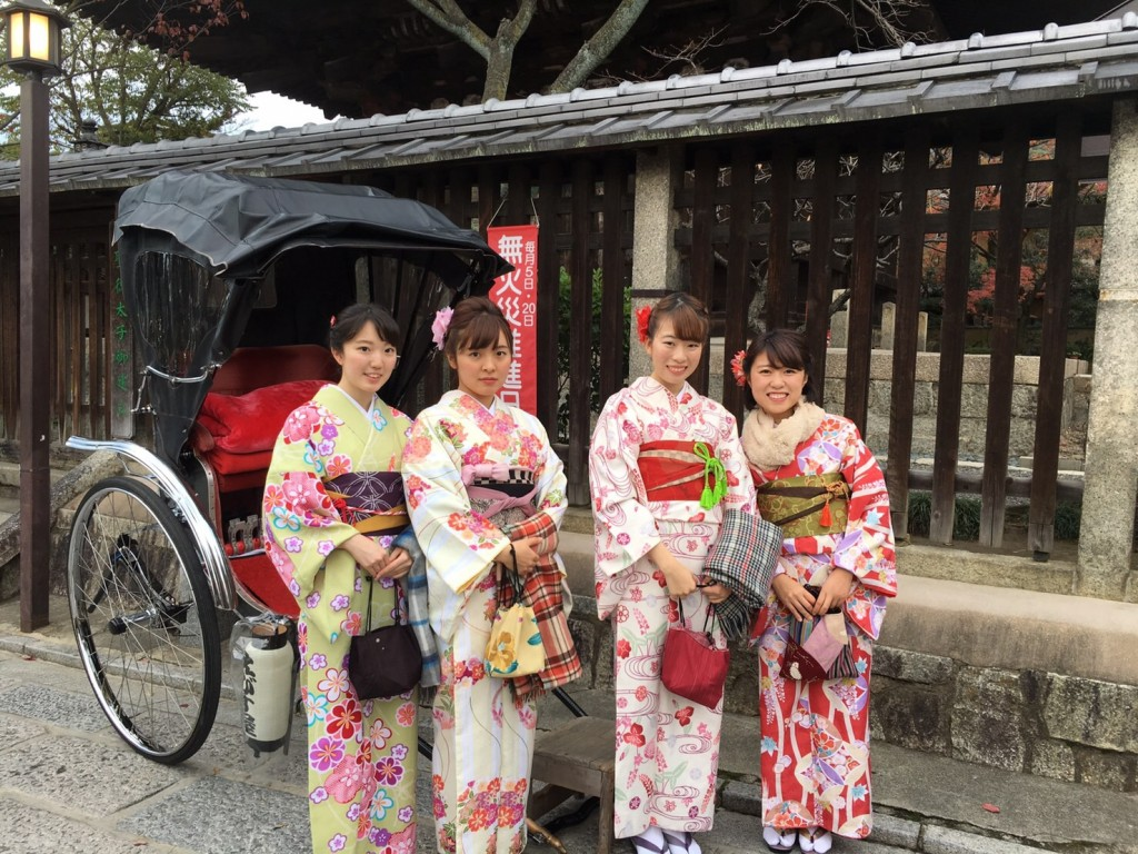 羽織いらずの良いお天気!東山を人力車で♪2016年11月30日14