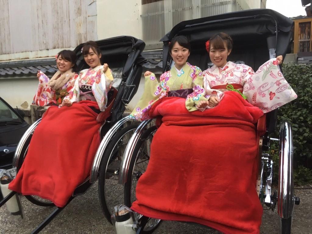 羽織いらずの良いお天気!東山を人力車で♪2016年11月30日15