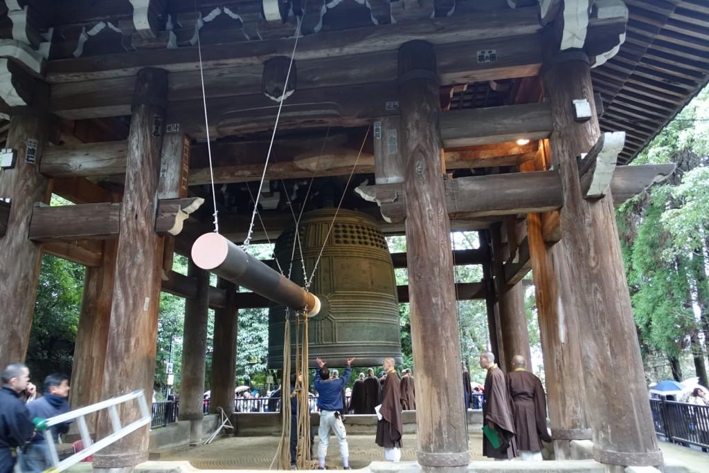 NHKゆく年くる年おなじみ京都 知恩院の除夜の鐘!試し撞き2016年12月27日6