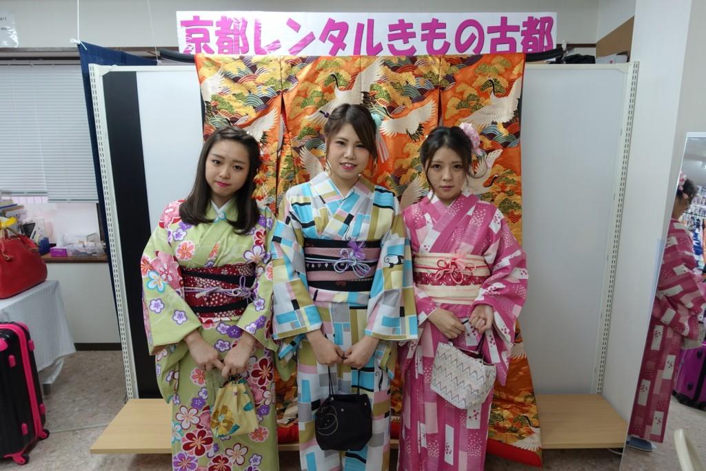 人気スポットは八坂庚申堂と伏見稲荷大社2017年2月21日21
