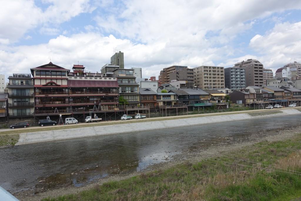 もうすぐ、京都鴨川納涼床2