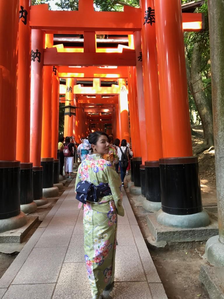 香港から日本で一番人気の伏見稲荷大社へ2017年5月29日1