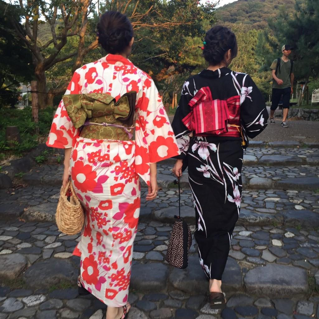 京都の風情ある街並みをバックに後ろ姿❣2017年9月26日4