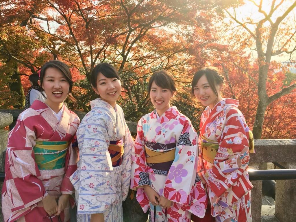 昼も夜も紅葉で大賑わいの京都2017年11月25日9