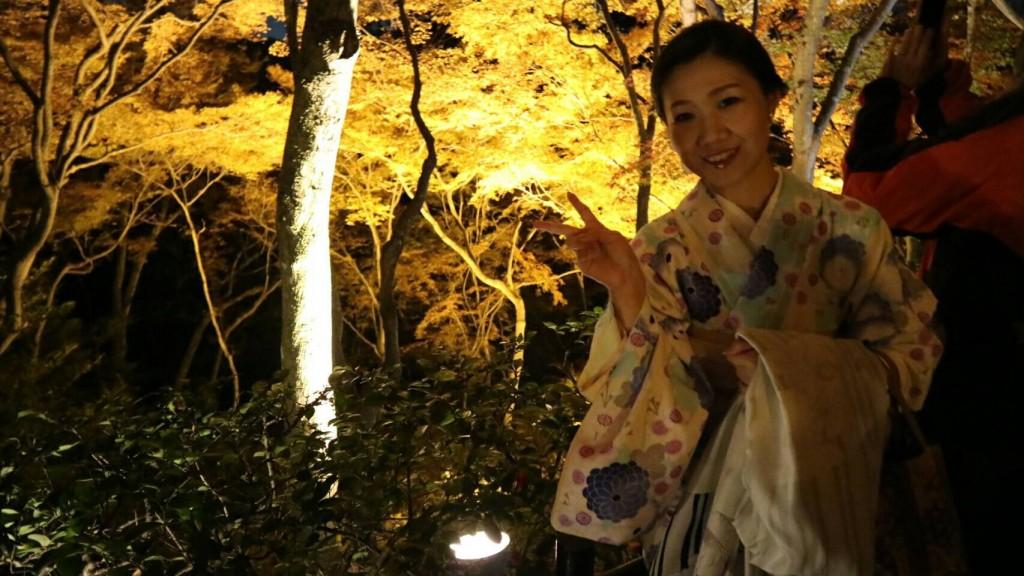 昼も夜も紅葉で大賑わいの京都2017年11月25日40