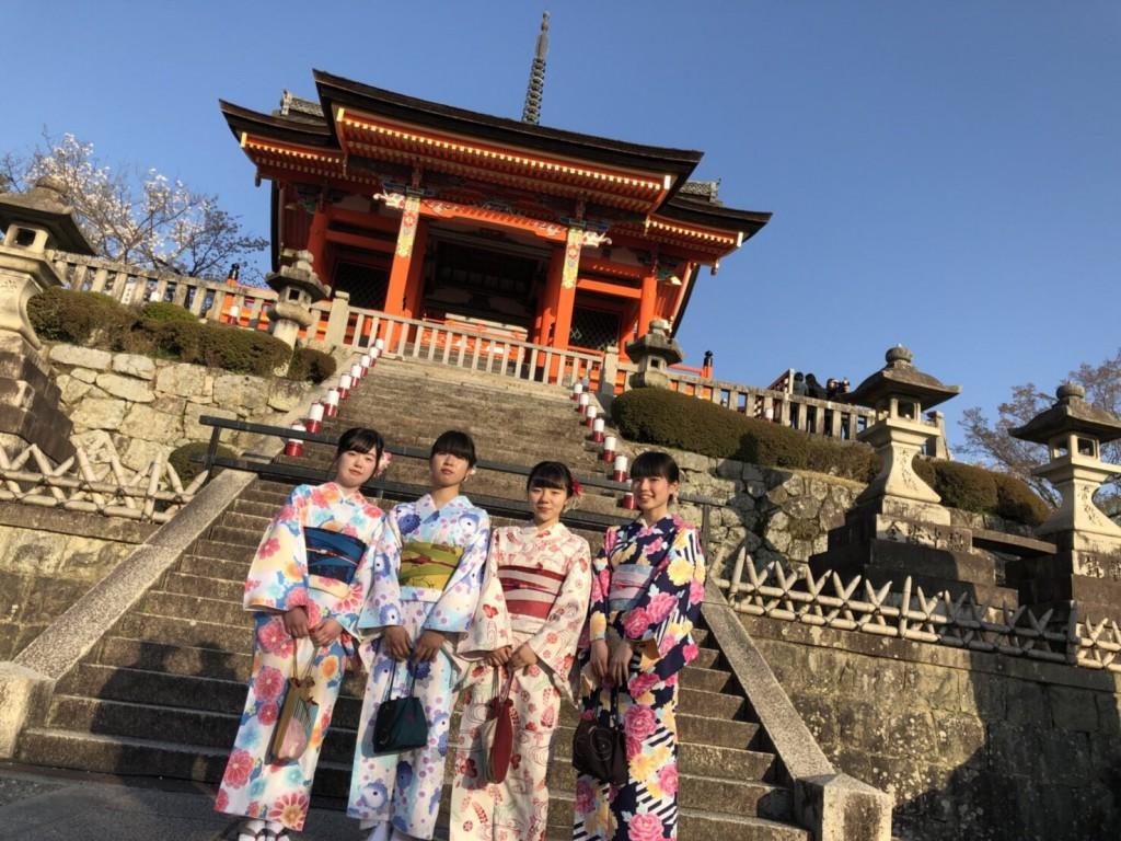 学生さん❣春休みに着物で京都の桜を満喫♪2018年3月28日9