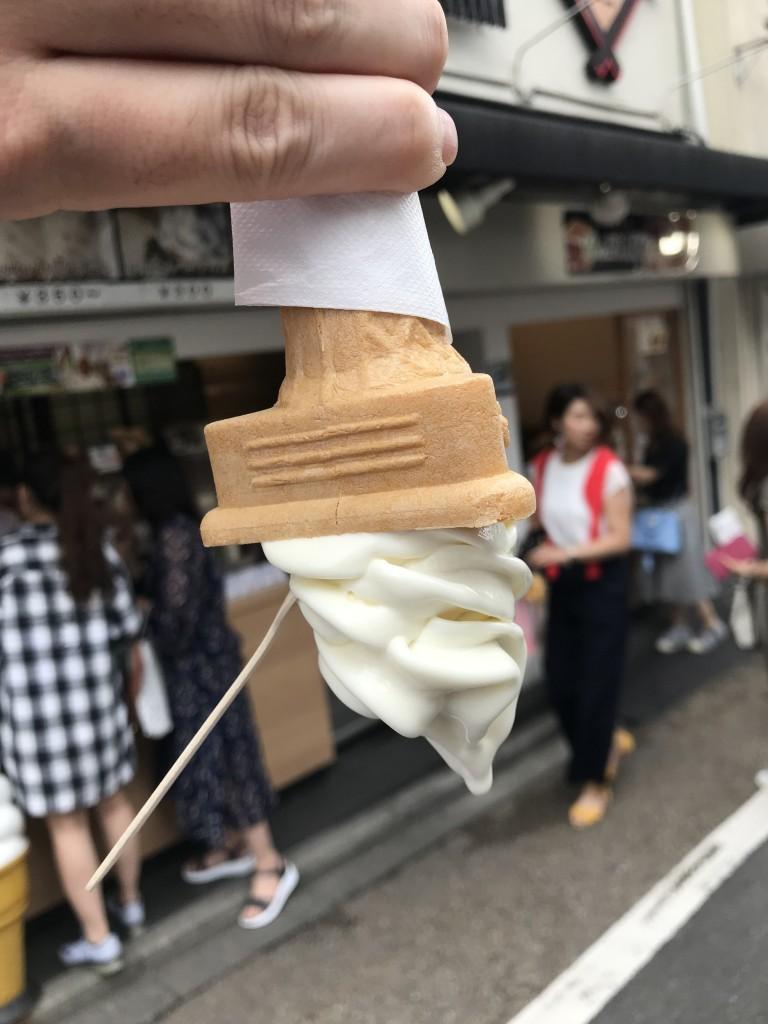 京豆庵 伏見稲荷店「お豆腐ソフト」3
