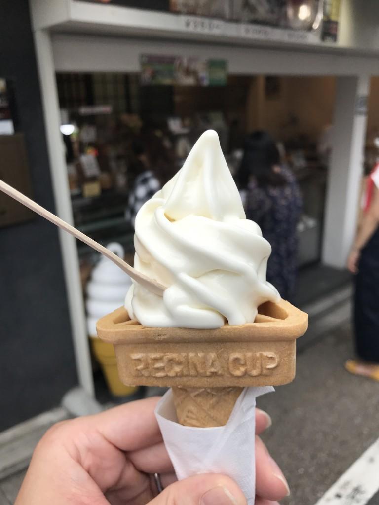 京豆庵 伏見稲荷店「お豆腐ソフト」4